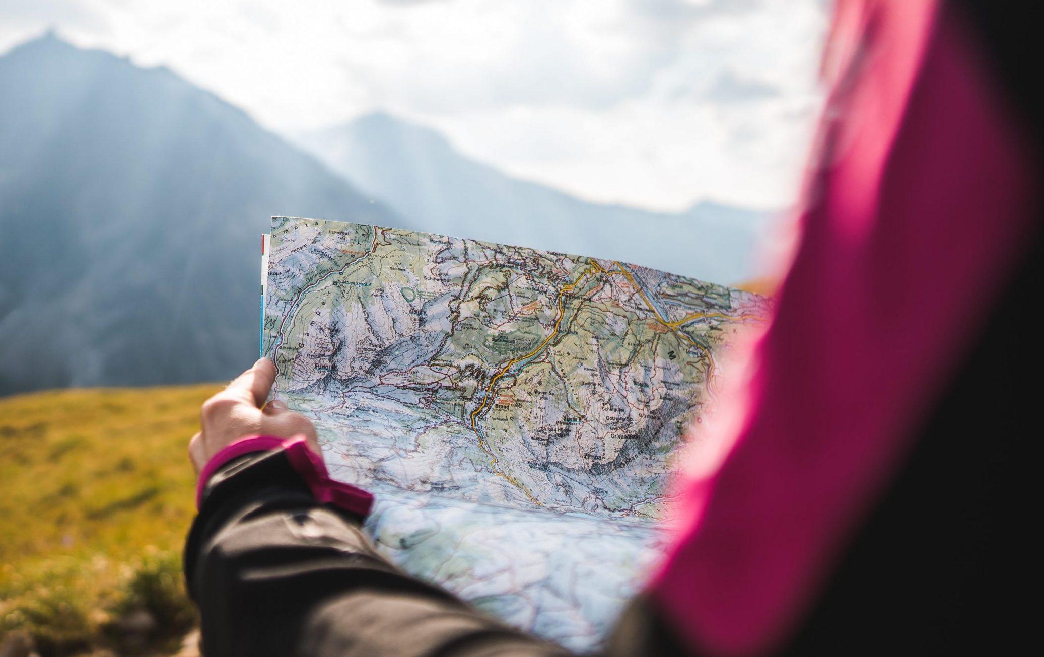 """""""Alpinismo è la via più semplice per arrivare alla vetta.Tutto il resto è accrobazia"""" - Bruno Detassis"""
